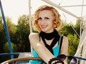 Lucy_magnetic female de Ukraine