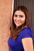 See profile of Beatriz